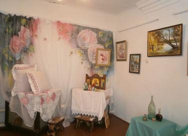 Выставка «Краски любви и нежности»