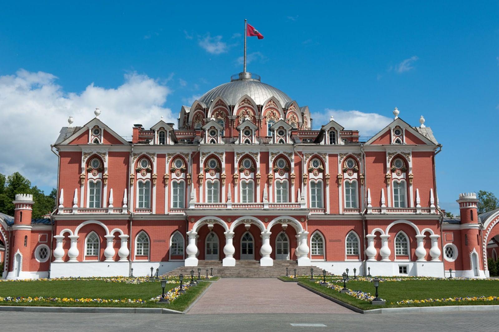 Картинки по запросу Петровский путевой дворец.