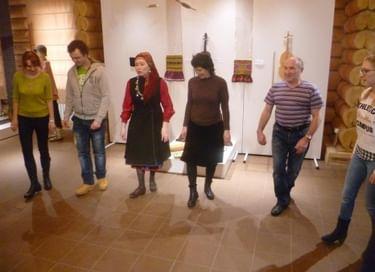 Мастер-класс по традиционным удмуртским танцам