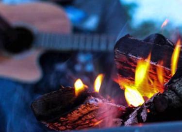 Акция «Костры детства – вечер фронтовой песни»