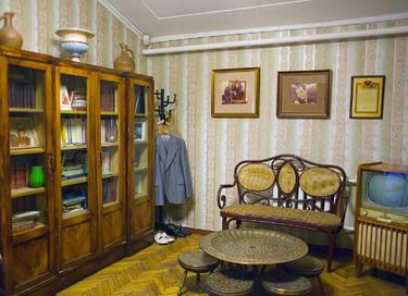 Постоянная музейная экспозиция в Музее-мастерской Налбандяна