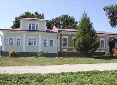 Экскурсия по залам Крапивенского краеведческого музея