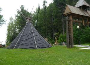 Этностойбище Этнографического музея под открытым небом «Торум Маа»