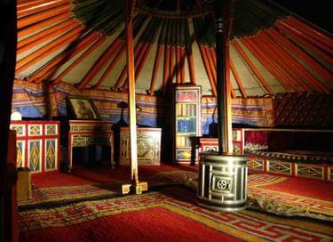 Лекция «Туда, к потомкам Чингисхана, под сень неведомых шатров…»