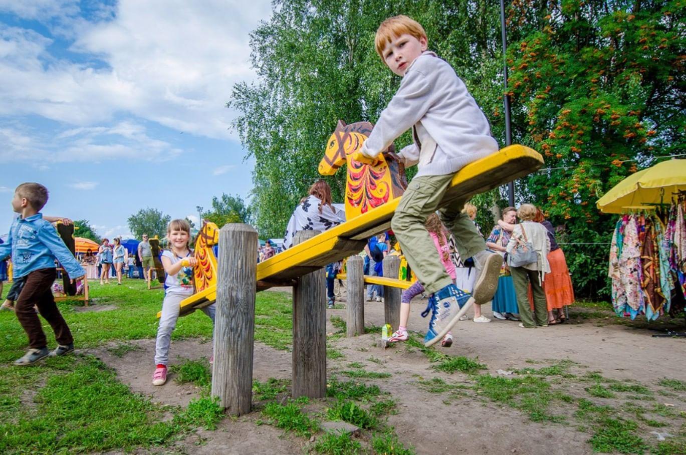 Праздник огурца. Фотография: photobook33.ru