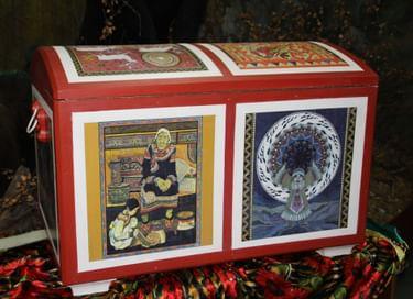 Передвижная интерактивная выставка музейных миниатюр «Музей в сундуке»