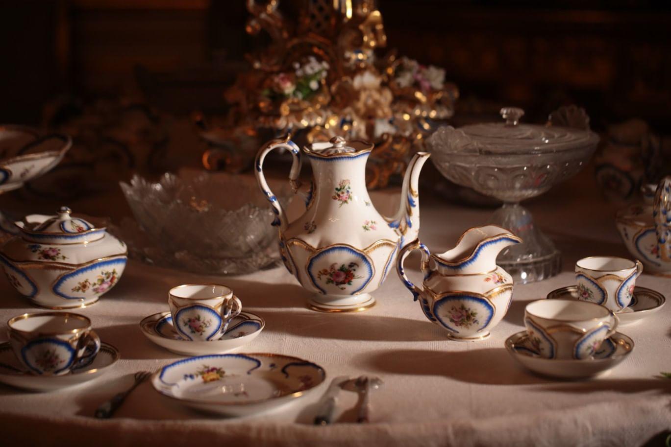 Раритеты дома Романовых отправляются в Китай. Галерея 1