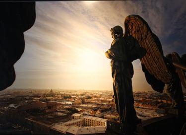Выставка «Петербург глазами ангелов: взгляд с Исаакия»