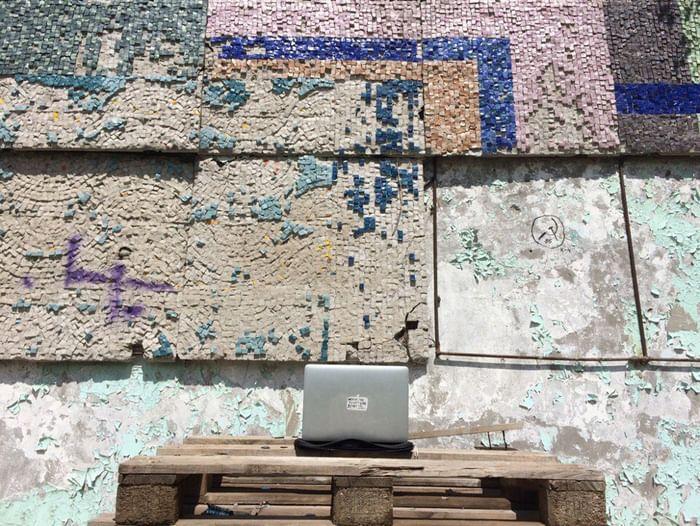Проект «Медуза превращает нас в искусство»