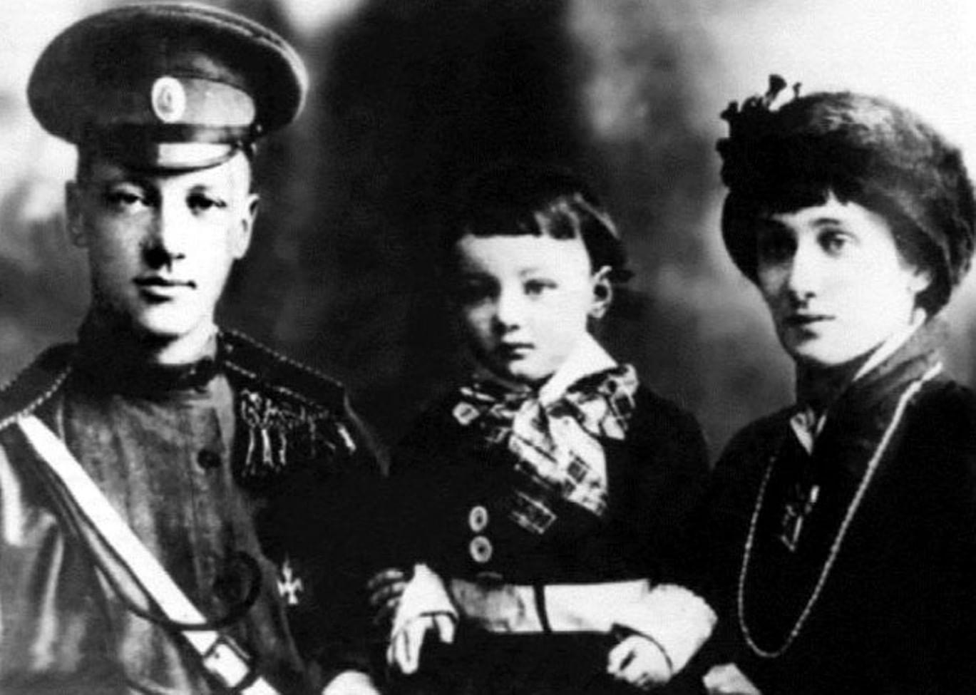 Анна Ахматова - «Такой судьбы не было еще ни у одного поколения»