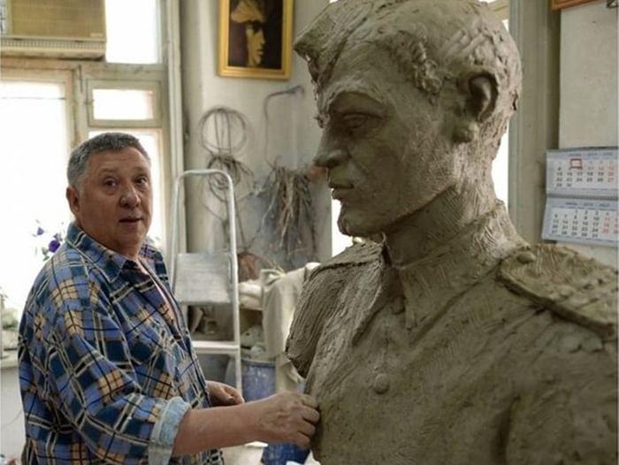 Выставка памяти скульптора Александра Аполлонова