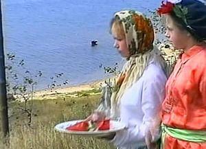 Костромской обряд окликания молодых «вьюнец»