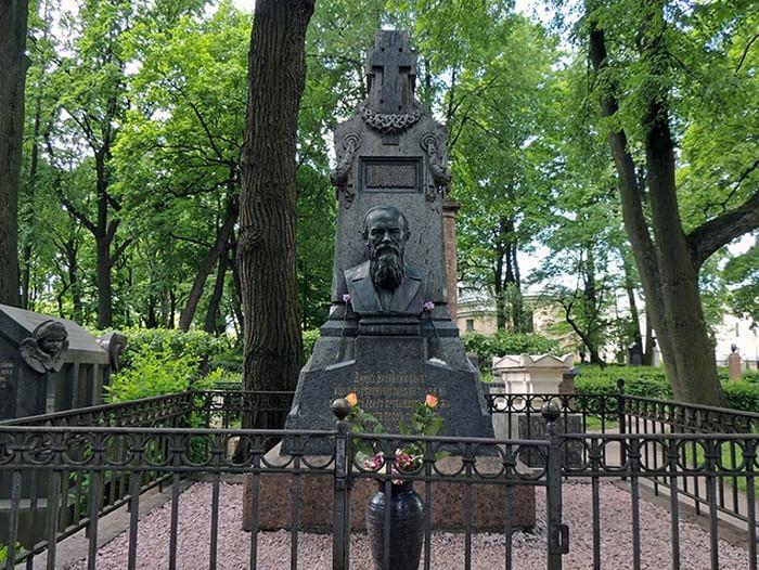 День Достоевского в Музее городской скульптуры