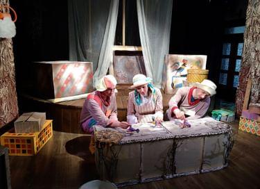 Спектакль «Зайка и Бычок»