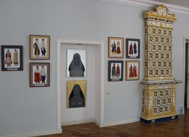 Передвижная выставка эскизов «Традиционный женский костюм народов Дагестана»