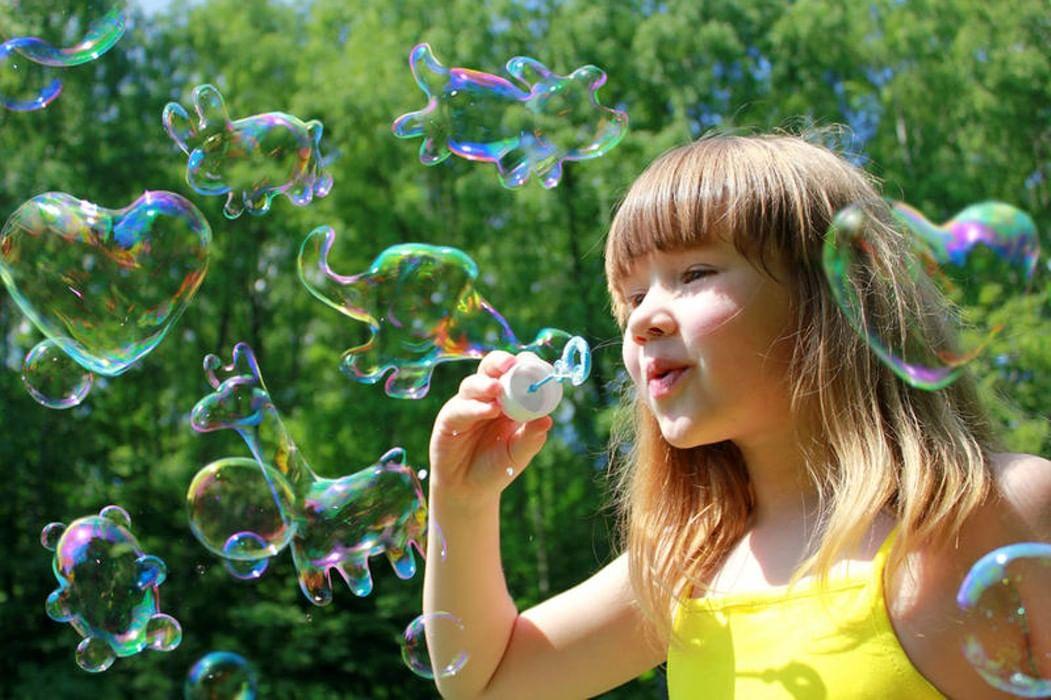 никогда картинки с мыльными пузырями с детьми фонари