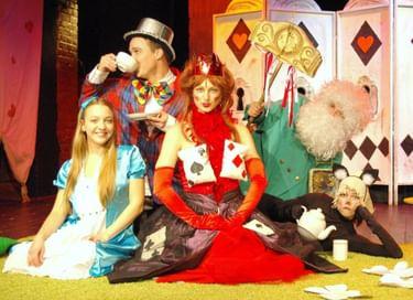 Спектакль-путешествие «Алиса в Стране чудес. Начало»