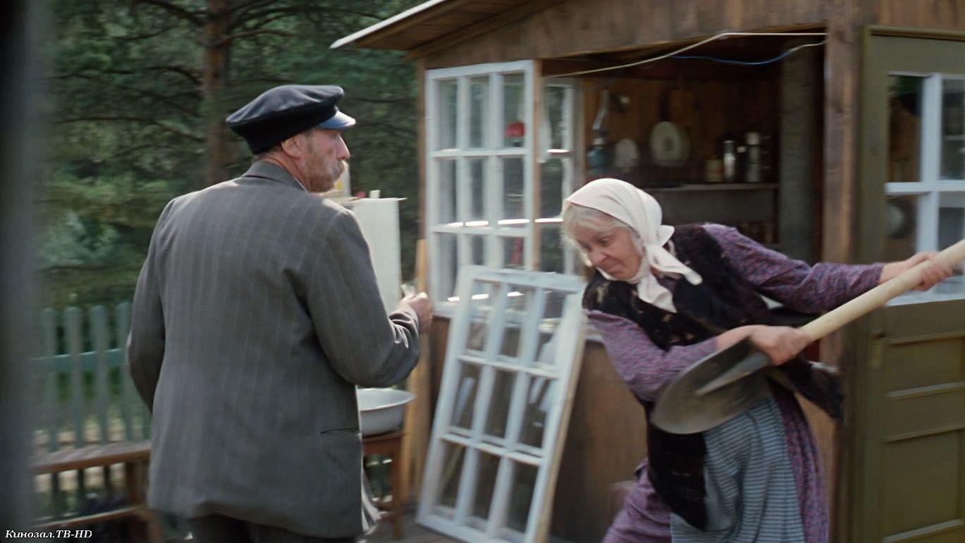 Кадр из фильма «Любовь и голуби».