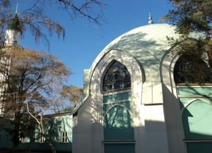 Караван-сарай с мечетью и минаретом в Оренбурге
