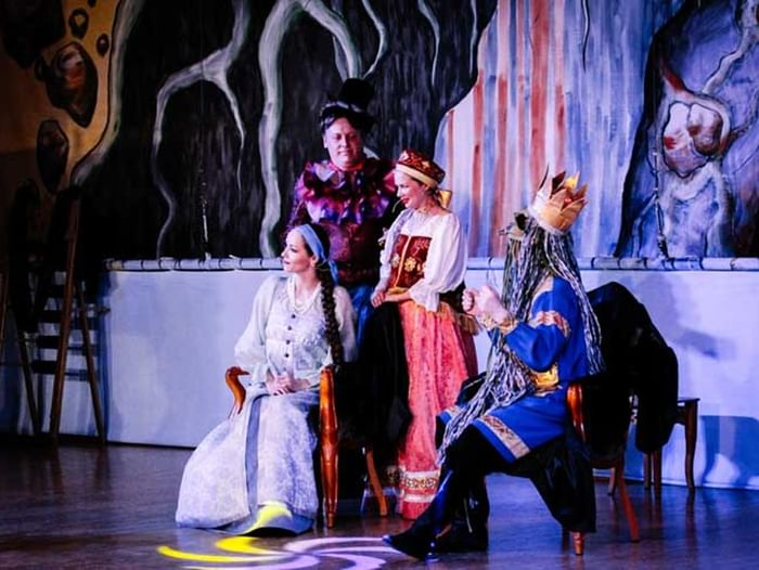 Театрализованное представление «Варвара-краса, длинная коса»
