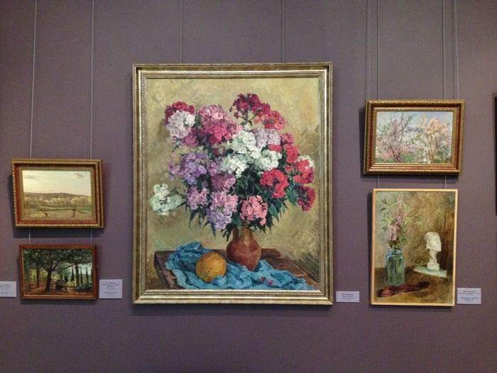 Выставка «Иной путь Владимира и Марии Ломакиных»