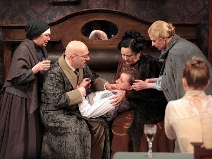 Спектакль «Семейный портрет»