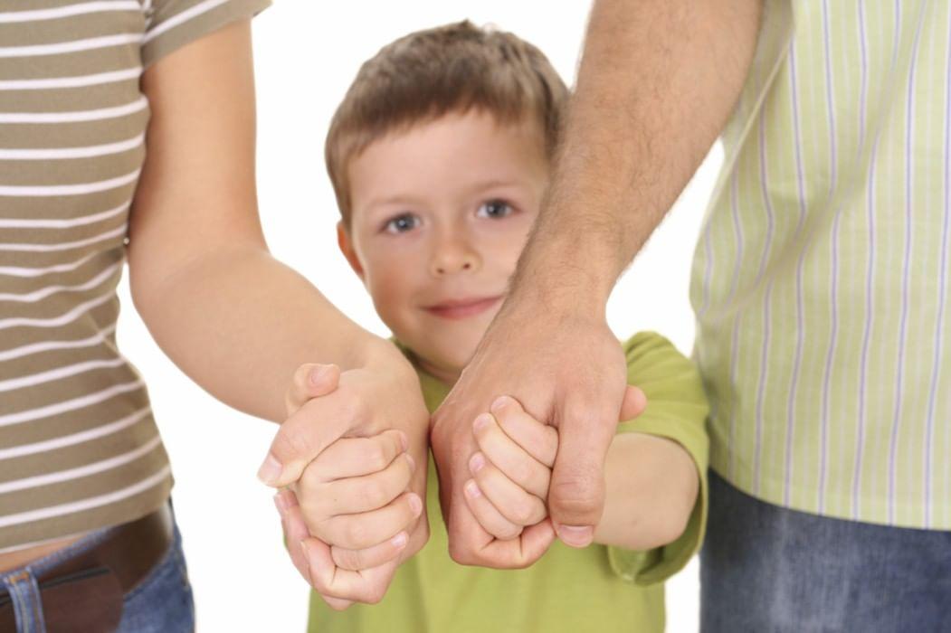 кто может выступать в качестве приемных родителей ГОСТа для вкручивающихся