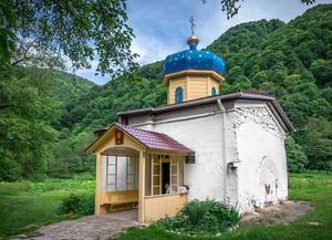 Храм на Нижне-Архызском городище (Южный) в республике Карачаево-Черкессия