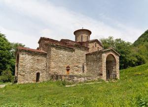 Храм на Нижне-Архызском городище (Северный) в республике Карачаево-Черкесия