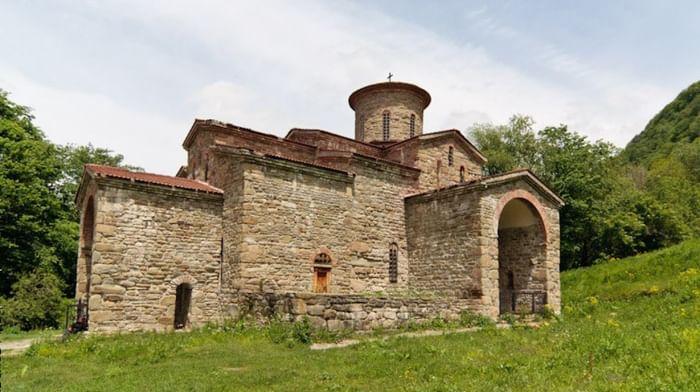 Храм на Нижне-Архызском городище (Северный) в республике Карачаево-Черкессия