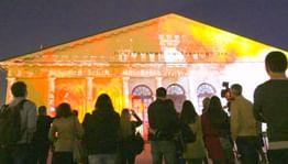 На фасаде Манежа покажут световые шоу по мотивам классических романов