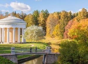 История в парках Москвы и Петербурга