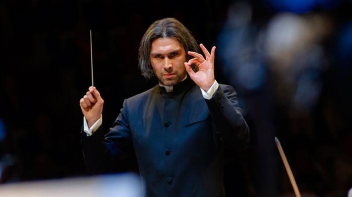 Цикл просветительских концертов «Истории с оркестром». Дирижирует и рассказывает Владимир Юровский