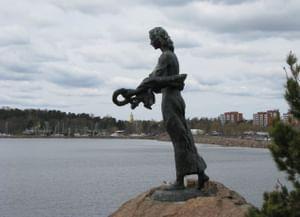 Памятник русским морякам на острове Куусинен