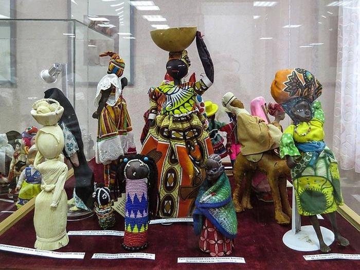 Выставка «Куклы мира»
