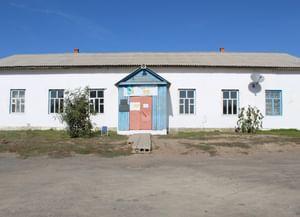 Суворовский сельский клуб
