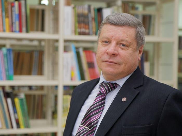 Презентация книги А. Крючкова «Корни»