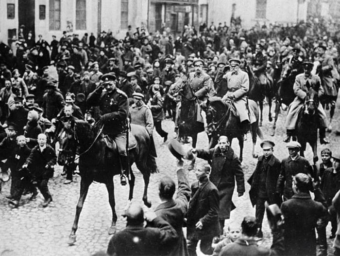 Патриотический час «Мифы и факты об Октябрьской революции»
