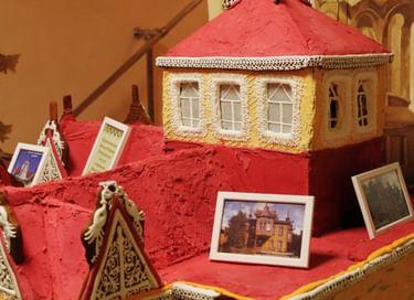 Выставка «Пряничный дом с жар-птицами»