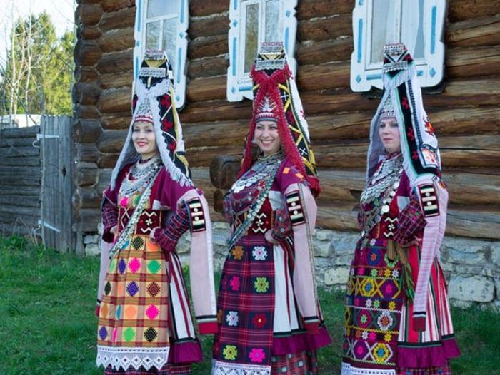 Выступление театра фольклорной песни и танца «Айкай»