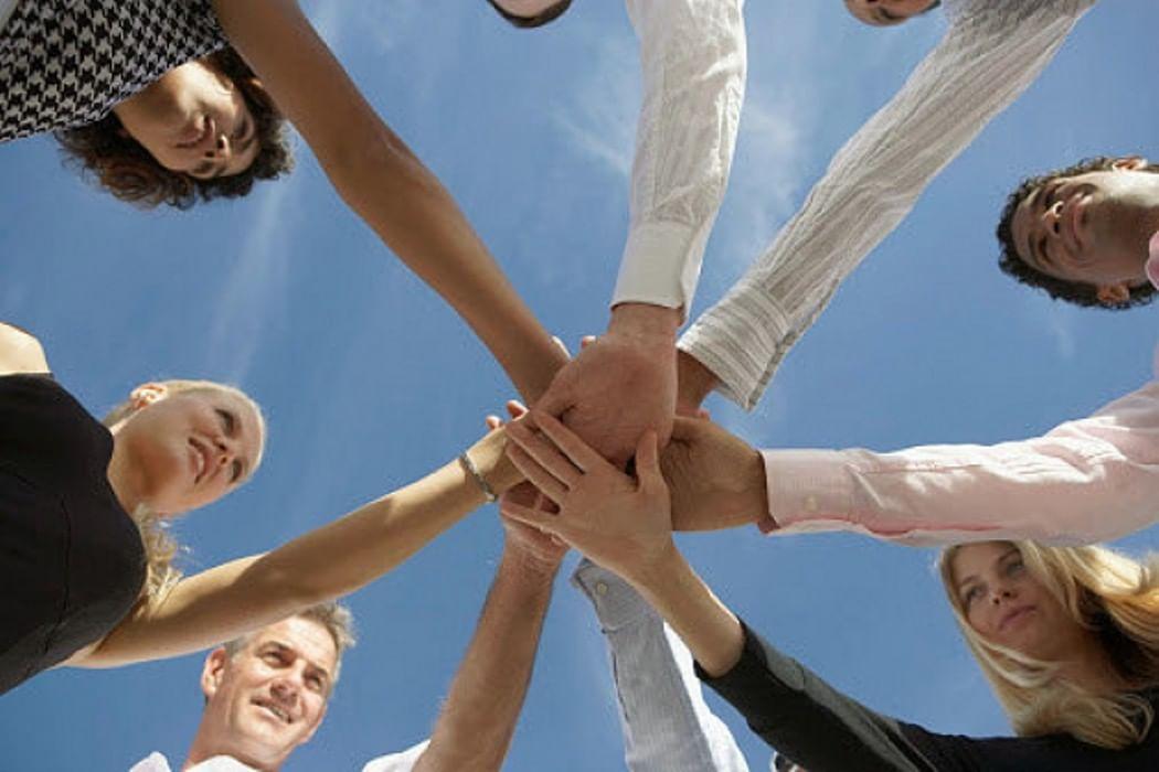 Картинки о единстве в команде, поделка открытка днем