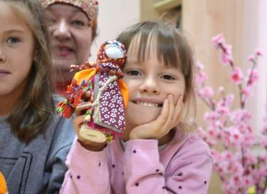 Мастер-класс по изготовлению обереговой куклы «Метлушка»