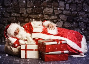 Спектакль «Как Дед Мороз чуть Новый год не проспал»