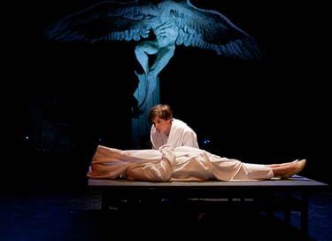Спектакль «Юная любовь в пяти театральных измерениях»