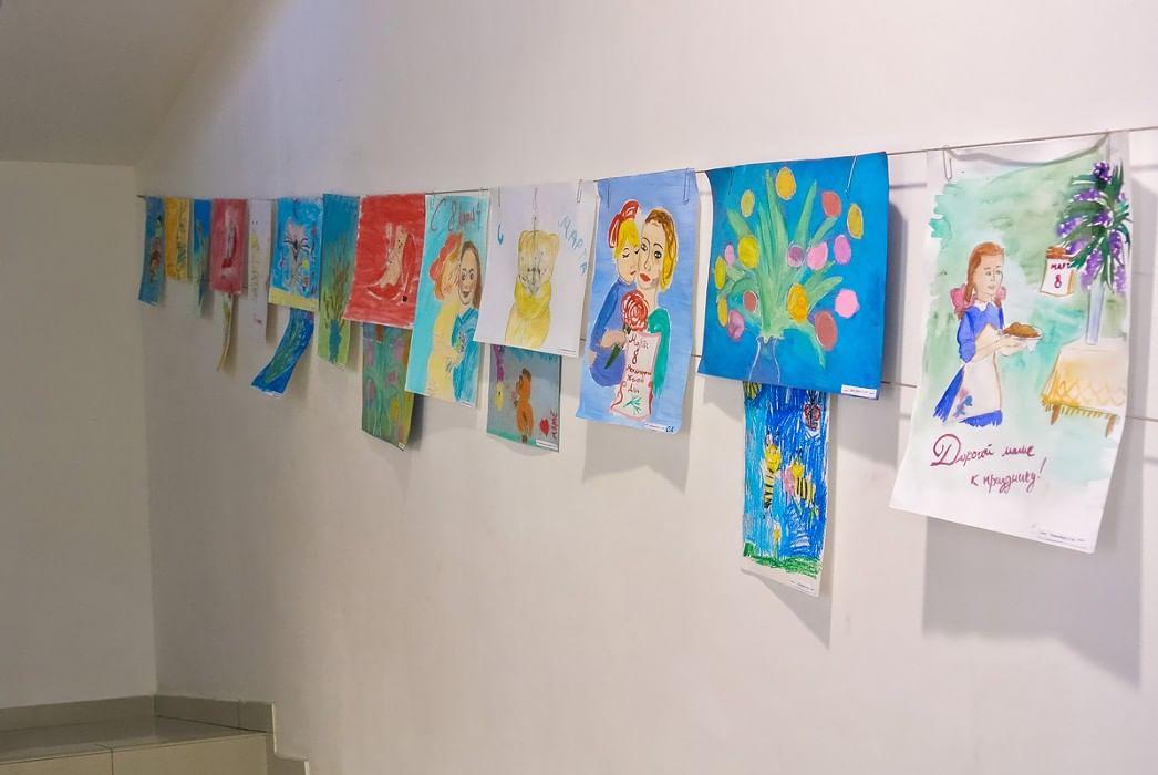 это рисунки о детях для оформления выставочного материала испании собираются улицах