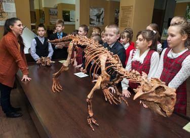 Выставка «Шестаковский парк мелового периода»