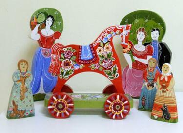 Выставка игрушек «Многоликое дерево»