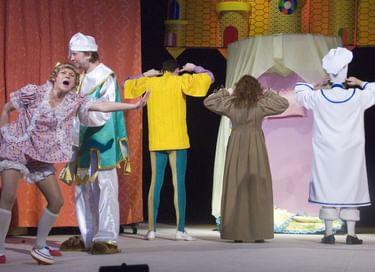 Спектакль «Как принц-кролик на принцессе женился»