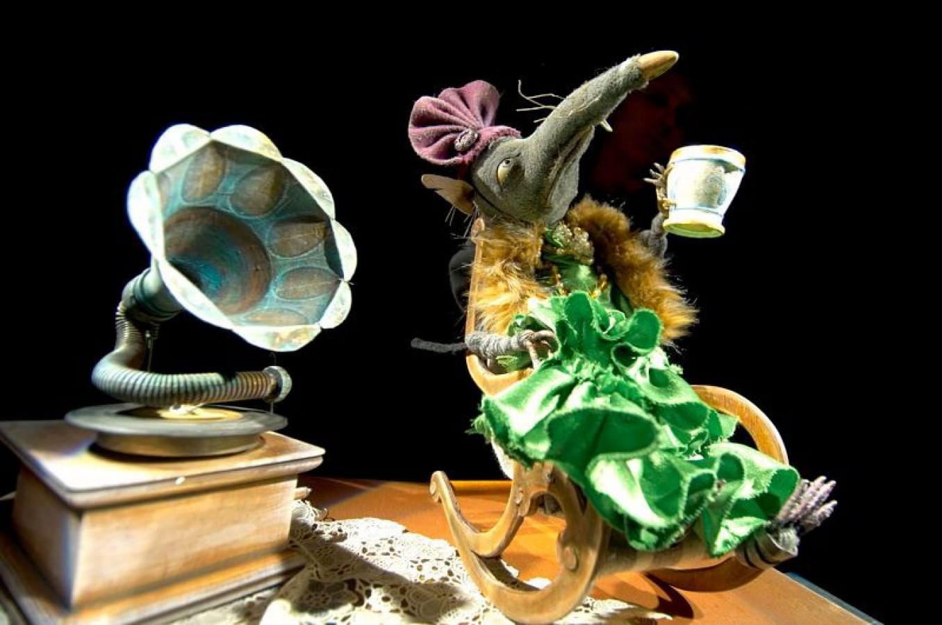 Спектакль «Ленинградка» (Государственный академический центральный театр кукол им. С.В. Образцова)