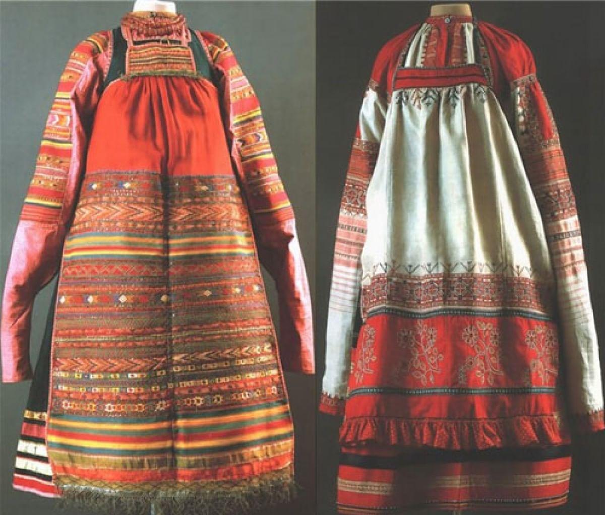 Женский костюм. Красный цвет